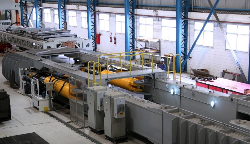 Sistema tem capacidade para até 2.600 tf (tonelada força) de carga estática, o maior do gênero no Brasil – para ter uma ideia de uma força como essa, seria preciso empilhar 2.600 carros populares