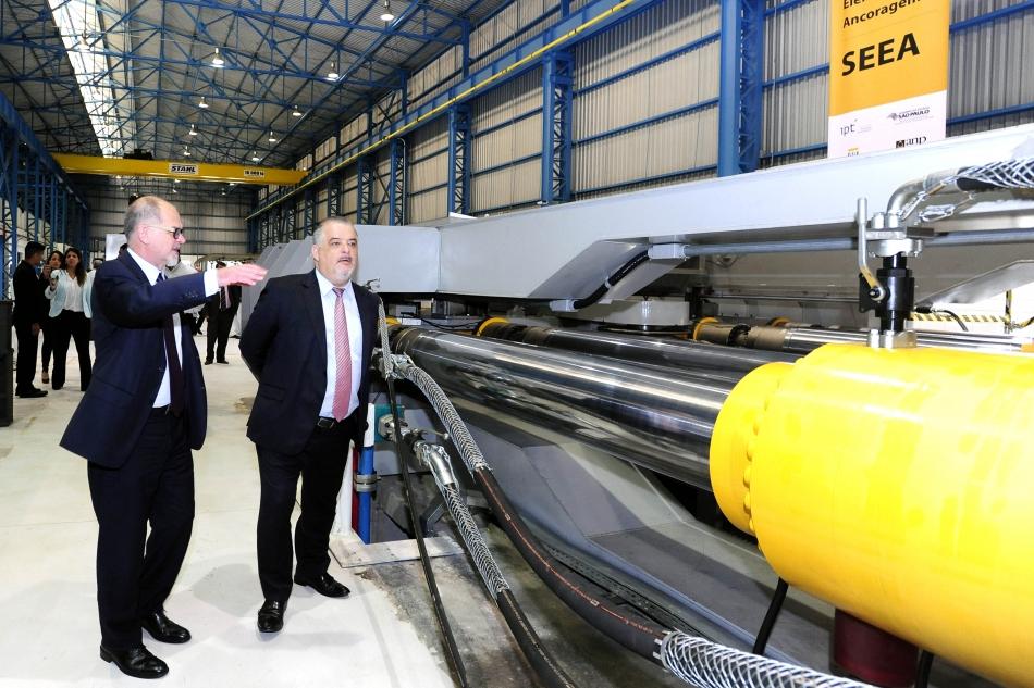 Fernando Landgraf (à esquerda) e Márcio França: sistema inaugurado oferece uma nova tecnologia aos mercados do Brasil e de todo o mundo. Foto: Agência Luz