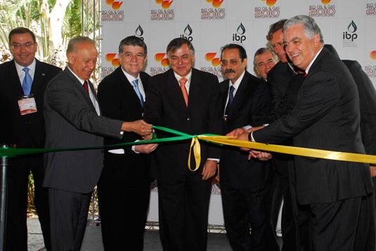 O otimismo na abertura da Rio Oil & Gas 2010 de Haroldo Lima (ANP), Sergio Machado (Transpetro), Paulo Roberto Costa (Petrobras), Ariovaldo Rocha (SINAVAL) e João Carlos de Luca (IPB).