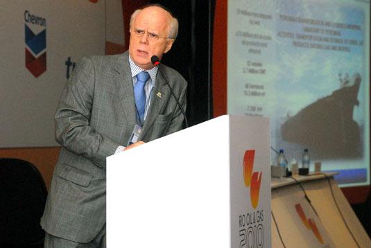 Agenor Junqueira, diretor da Transpetro, apresenta o plano de construção dos petroleiros do Promef I e II.