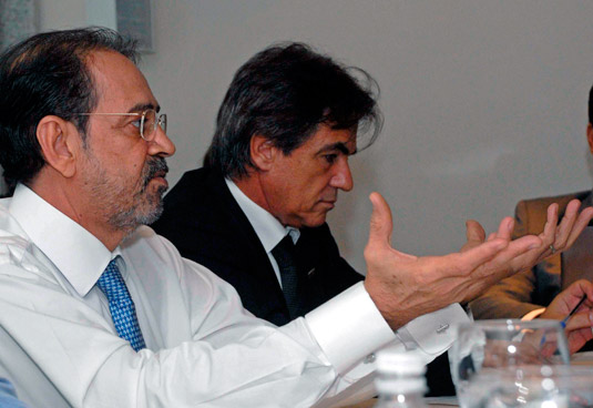Ariovaldo Rocha, presidente do SINAVAL, e Augusto Mendonça, vice-presidente do SINAVAL e presidente   da ABENAV – Associação Brasileira das Empresas de Construção Naval e Offshore. [Foto: Botelho]