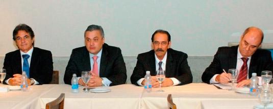 Augusto Mendonça (SINAVAL - ABENAV), Allan Toledo (BB), Ariovaldo Rocha (SINAVAL) e Cláudio Borsa (BB)   [Foto: Botelho]