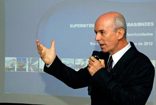 Edalmo Porto Rangel, Superintendente Regional da Caixa, na apresentação ao SINAVAL